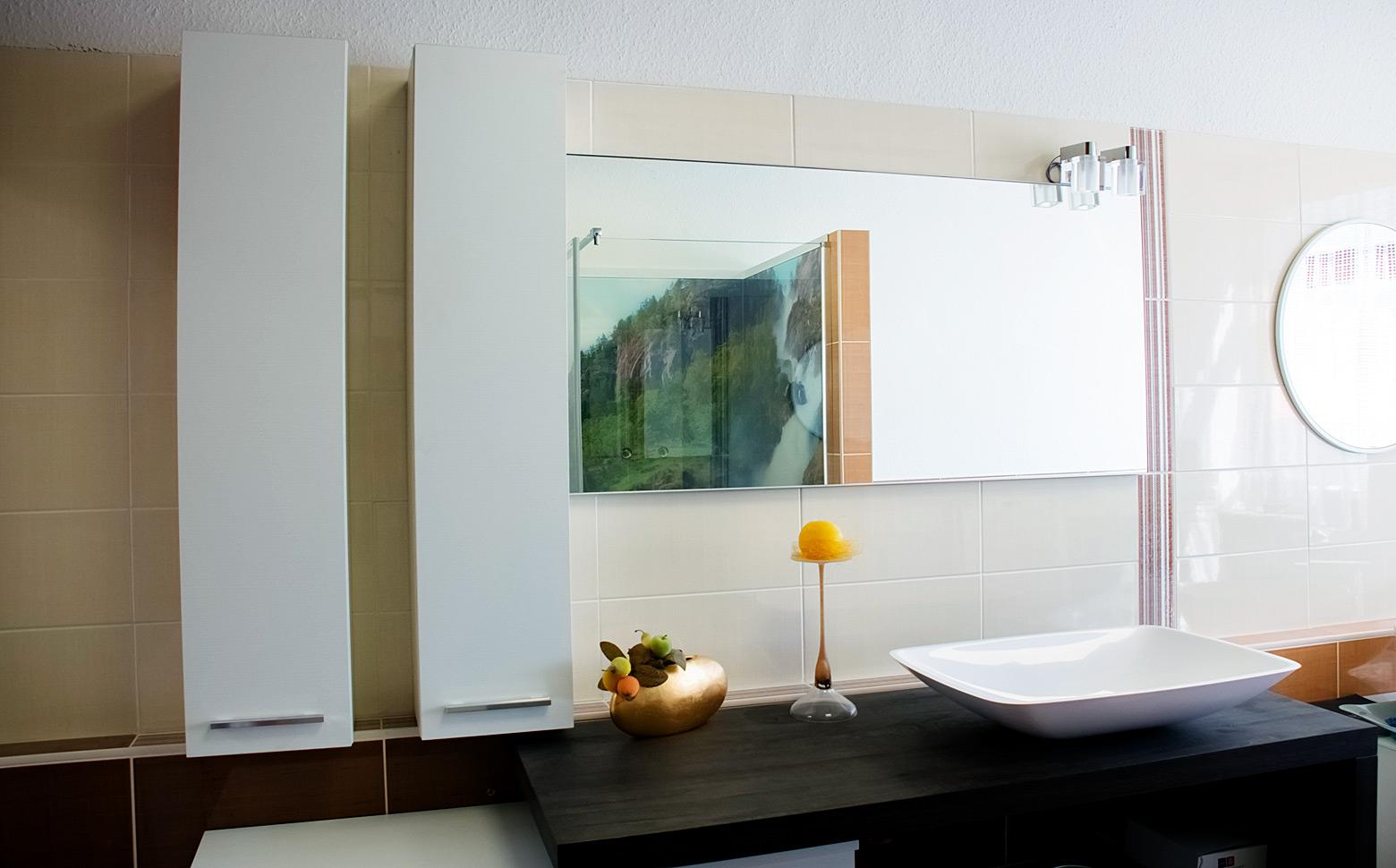 modern und exklusiv. Black Bedroom Furniture Sets. Home Design Ideas
